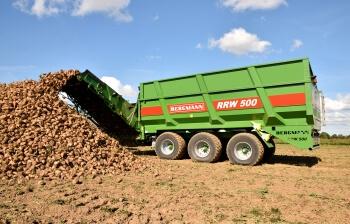 Beet Chaser unloading