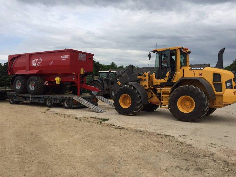 Unloading Krampe trailer in UK