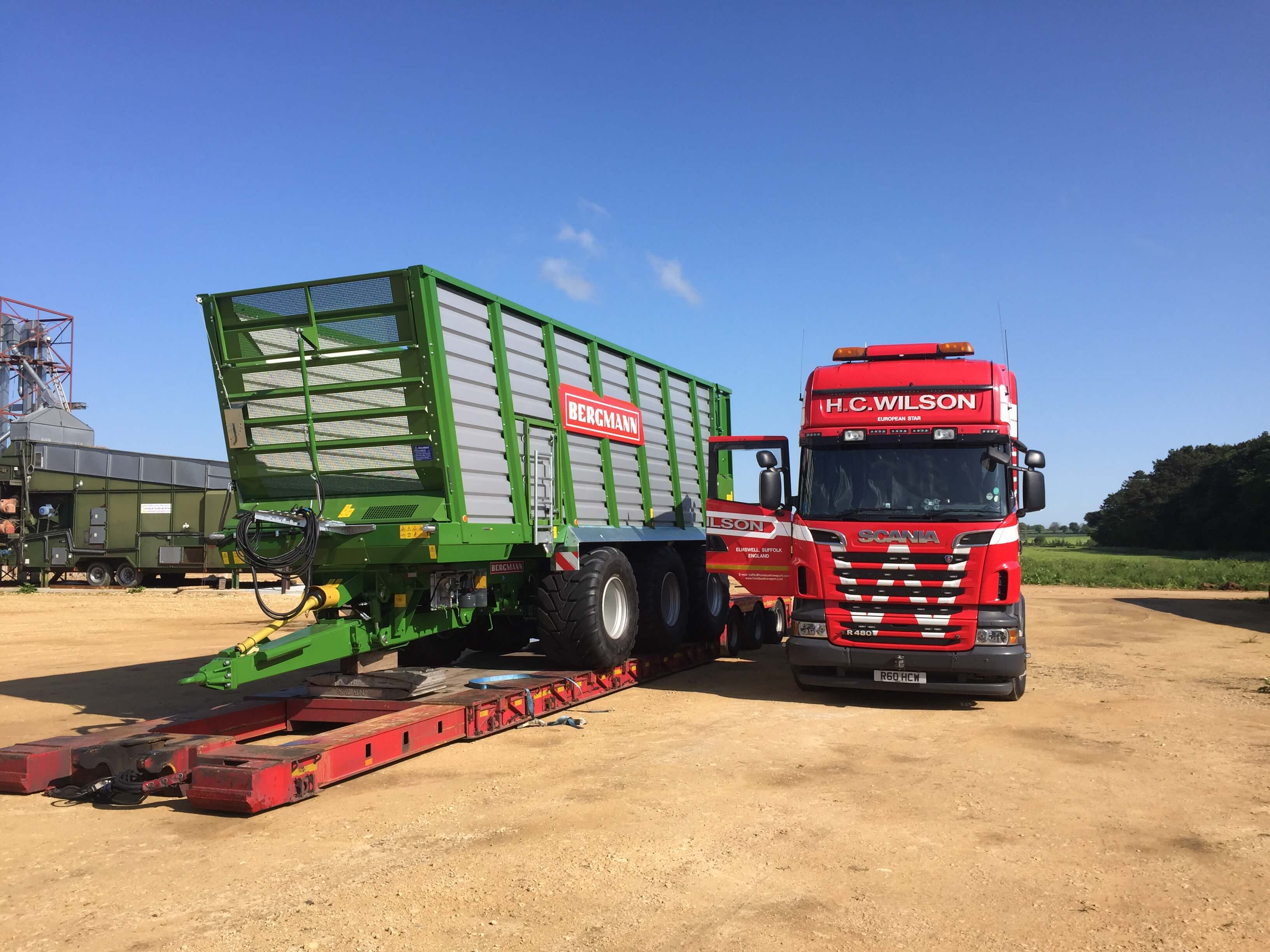 Farm machinery delivery low loader
