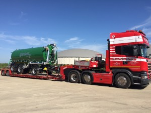 Slurry tanker delivery truck