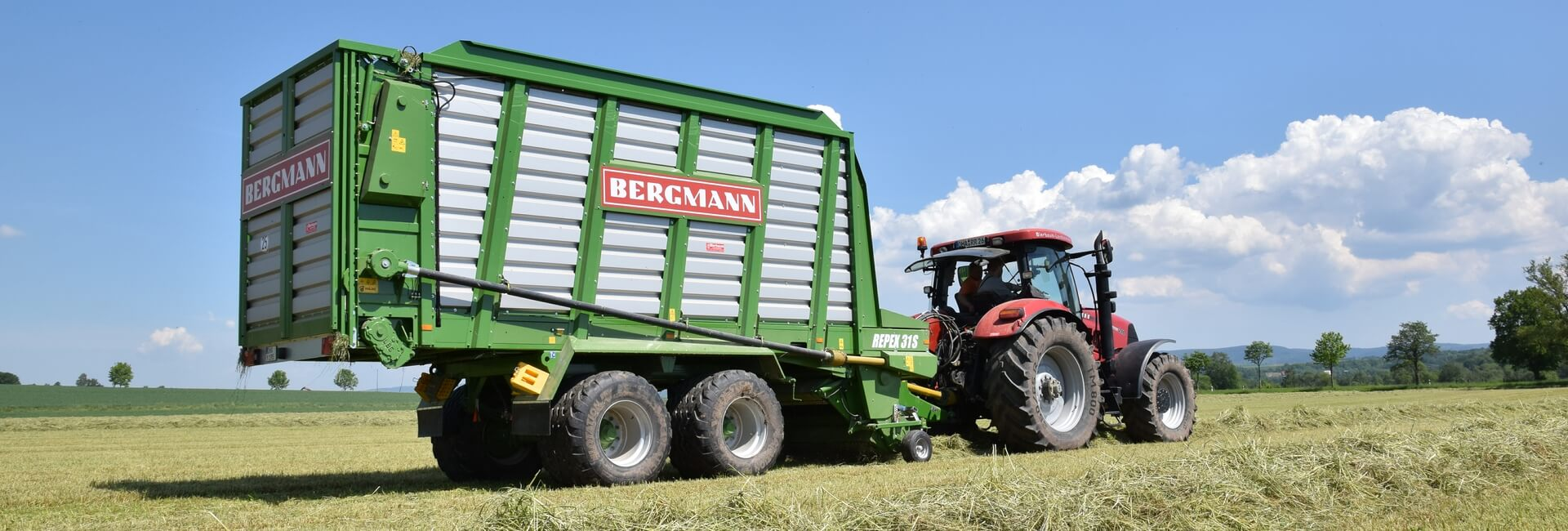 self loading silage trailer
