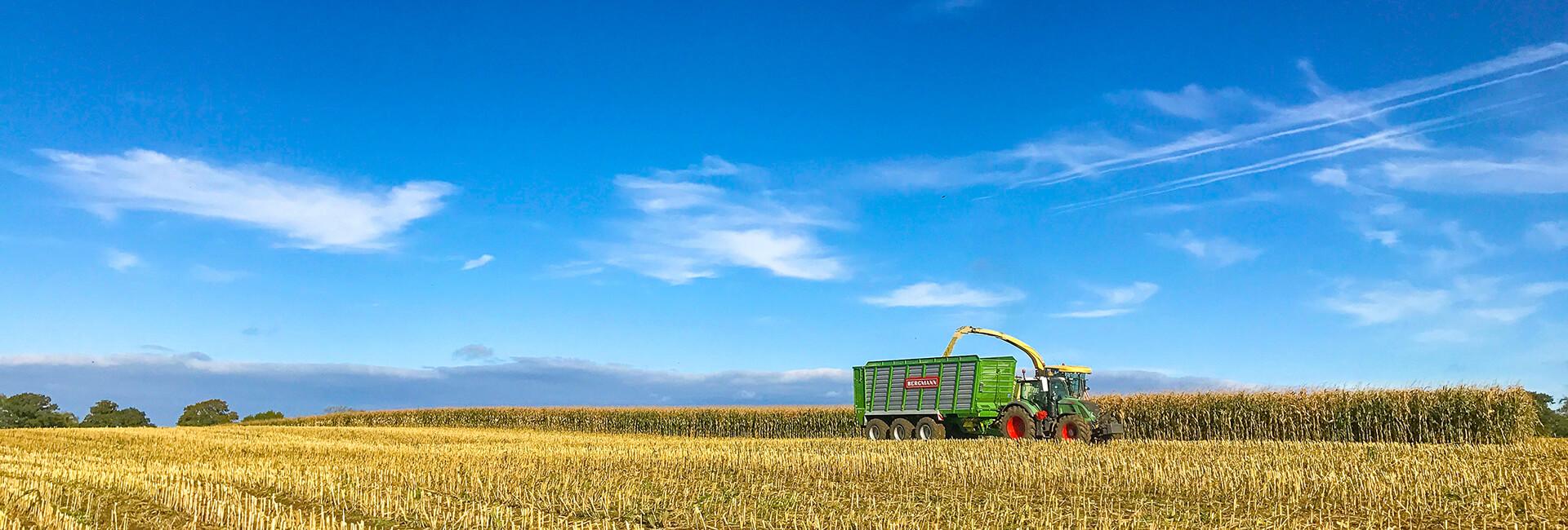 maize silage trailer moving floor harvest landscape