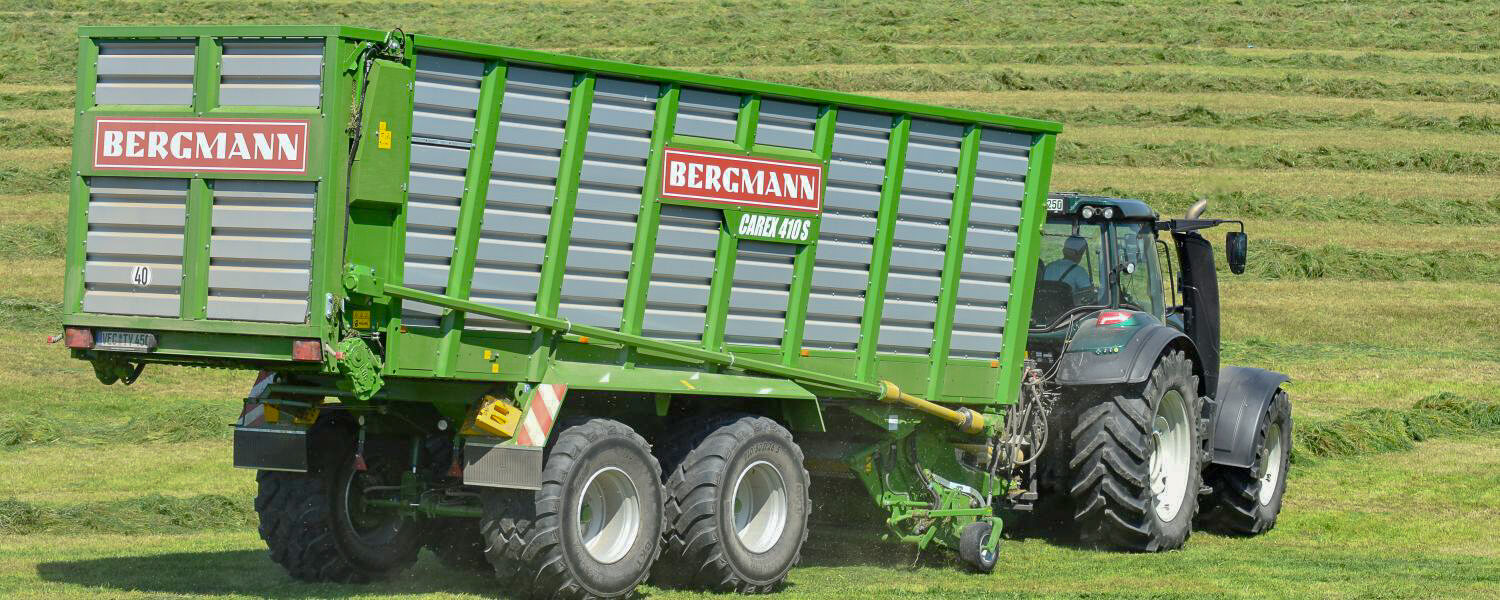 Bergmann silage loader wagon with Valtra