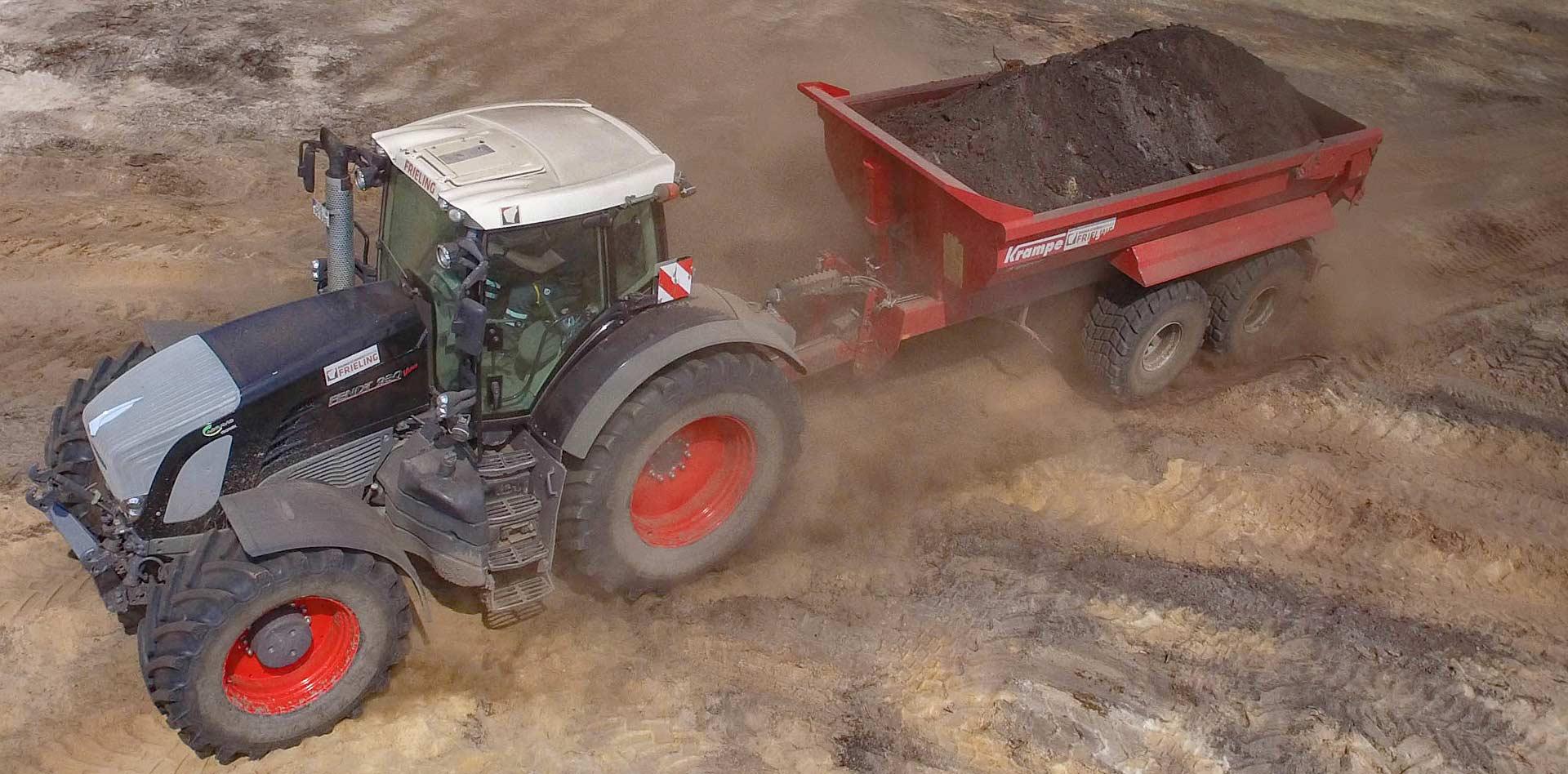 Dump trailer krampe and black fendt tractor