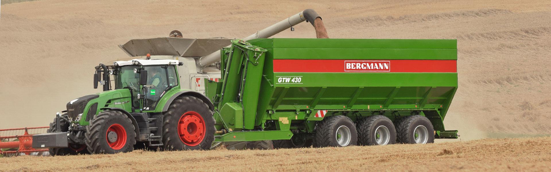 bergmann wheat harvest combine harvester unloading