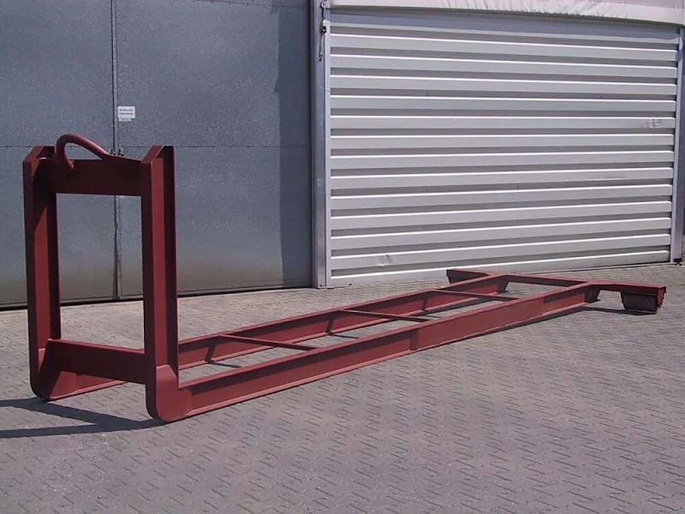 Hooklift frame