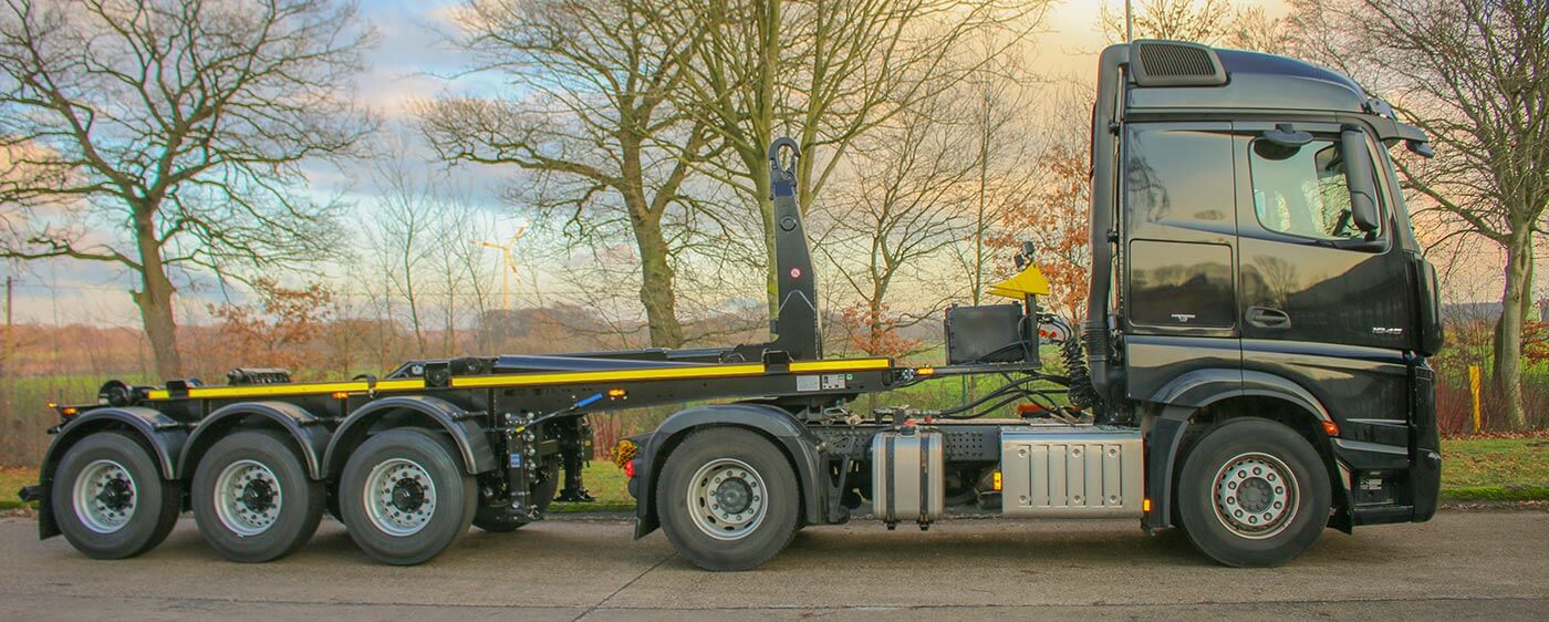 Hooklift Semi Trailer with Actros