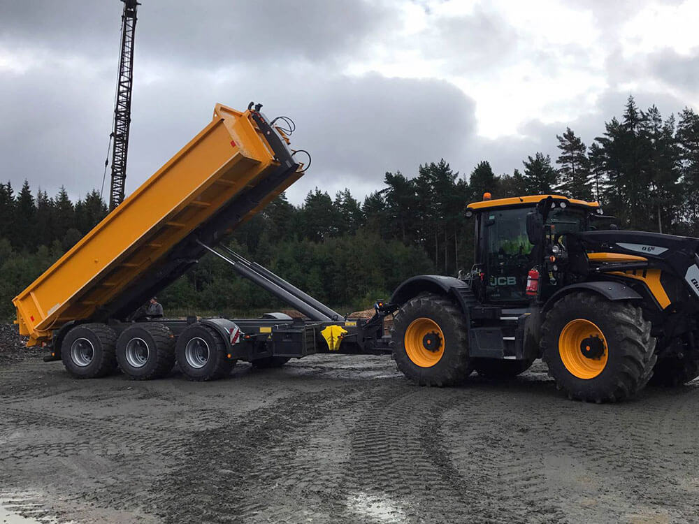 Hooklift with JCB Fastrac