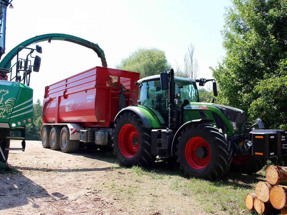 triaxle hooklift with wood chipper