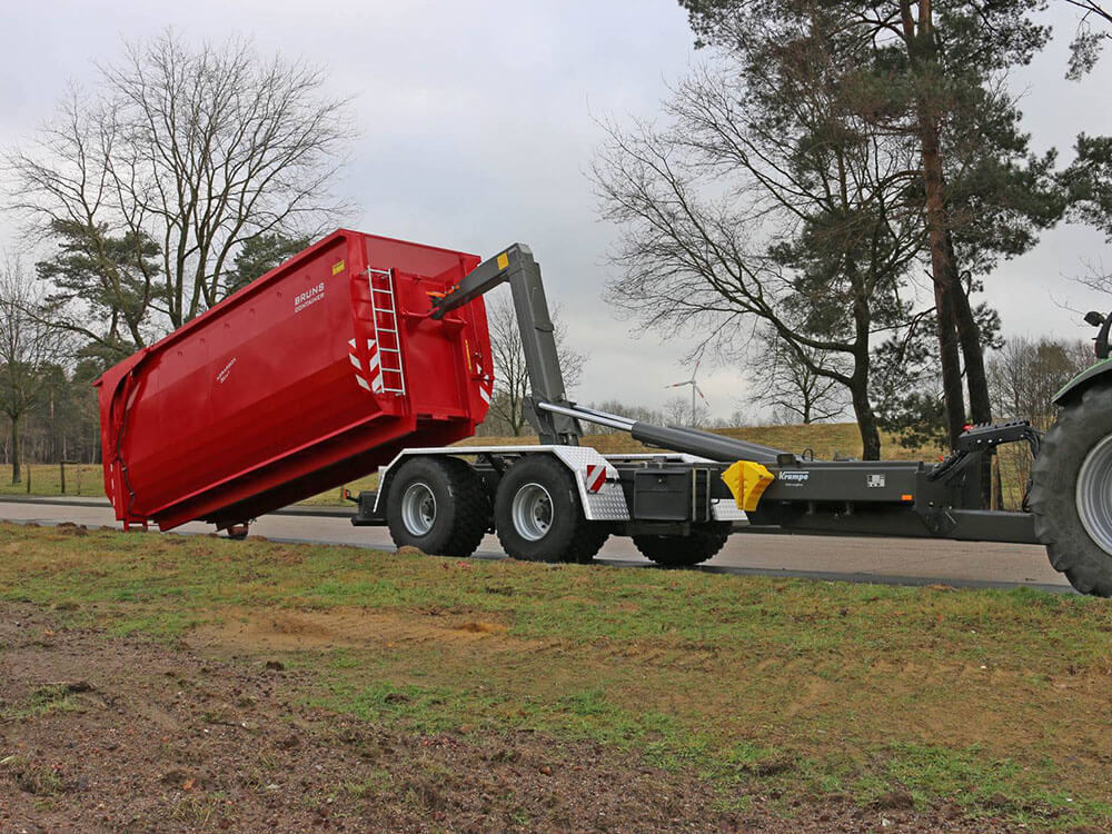 hooklifft body loading with Bruns big box