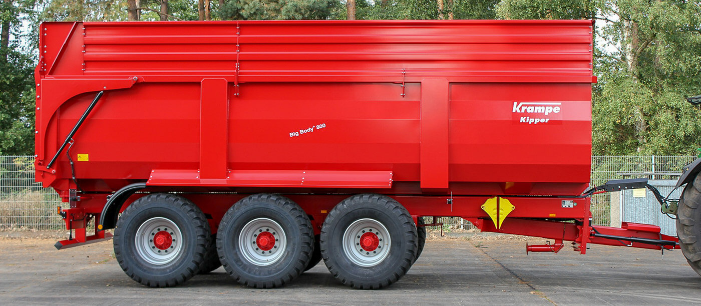 Triaxle agricultural tipping trailer