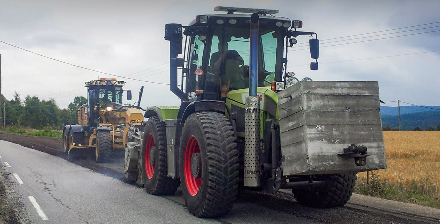 FAe road recycling Claas Xerion