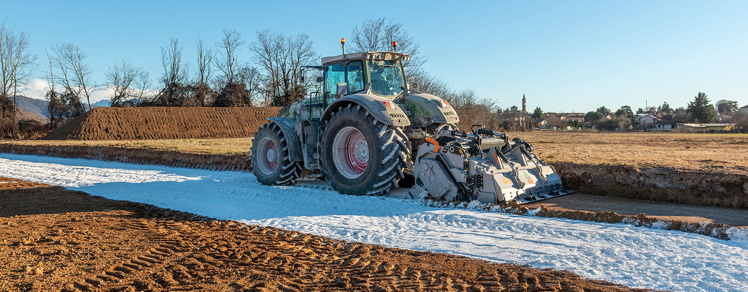 Soil Stabiliser Drum FAE with Fendt Tractor