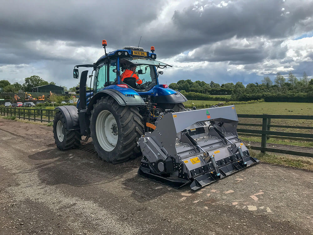 FAE MTL tractor crusher and Valtra